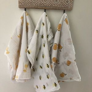 Bundle of 3 Aden & Anais Muslin Swaddle Blankets